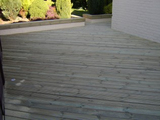 Ashwood Services Hull - Decking Example 3 - 002