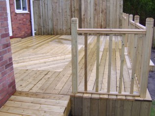 Ashwood Services Hull - Decking Example 5 - 002