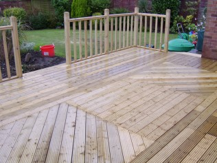 Ashwood Services Hull - Decking Example 5 - 003