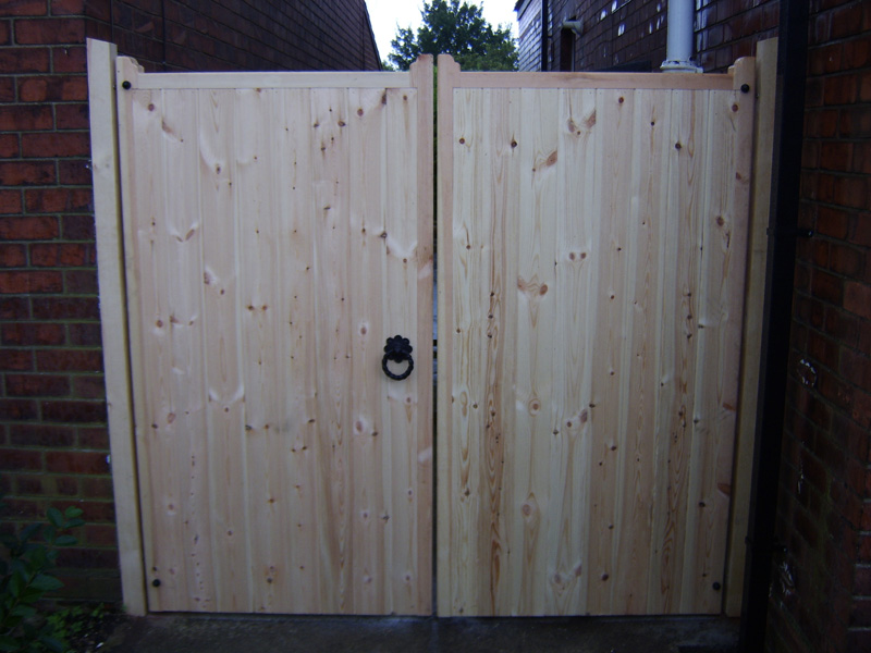 Ashwood Services Hull - Gate Example - 002
